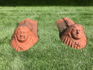 Finali di tetto in terracotta